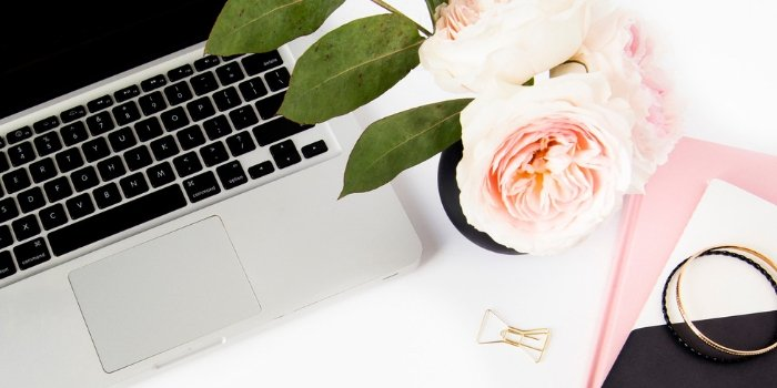 laptop - best podcasts for bloggers