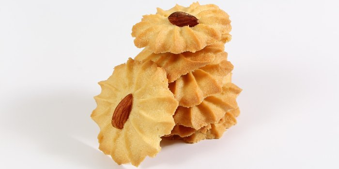 spritz cookies with almonds - easy recipe
